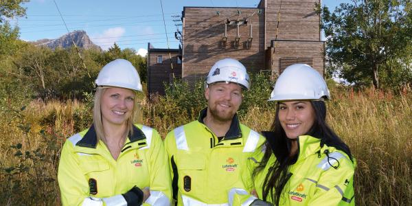 Bente Paulsberg, Marek Eriksen og Kathy Moncada er tre ferske ingeniører i Lofotkraft