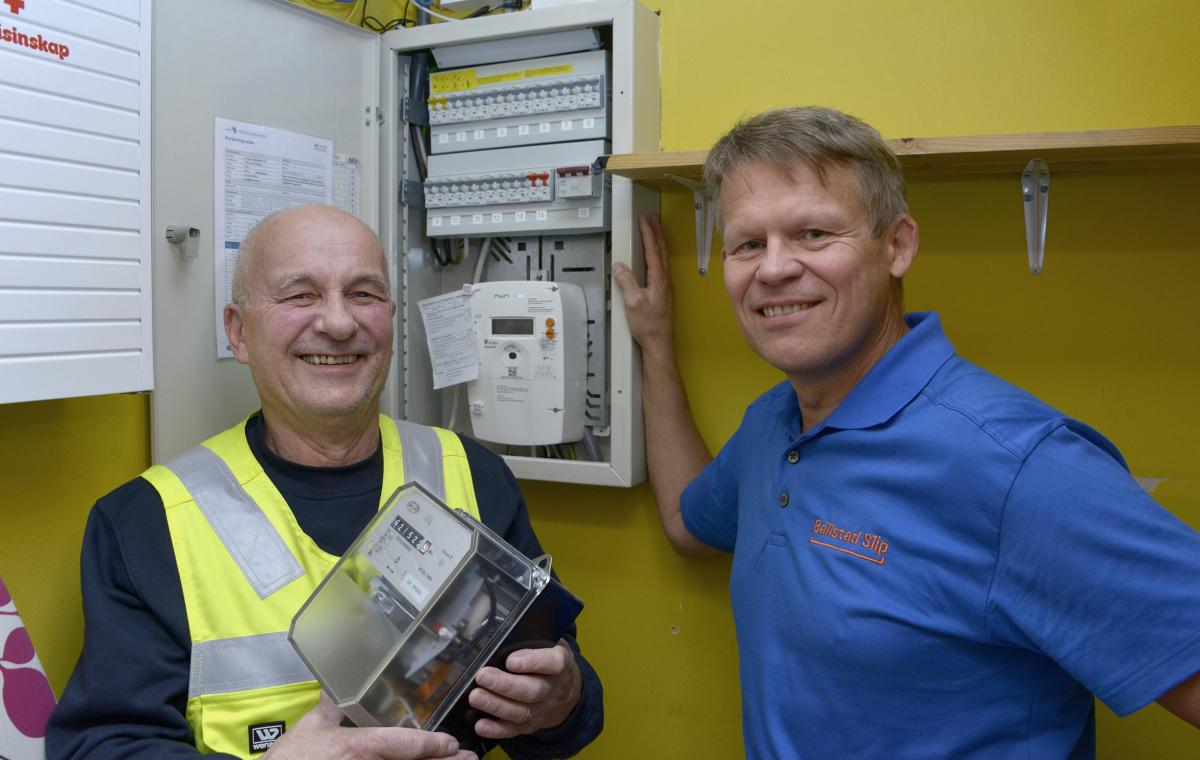 Den første automatiske strømmåleren i Lofoten montert på Leknes.
