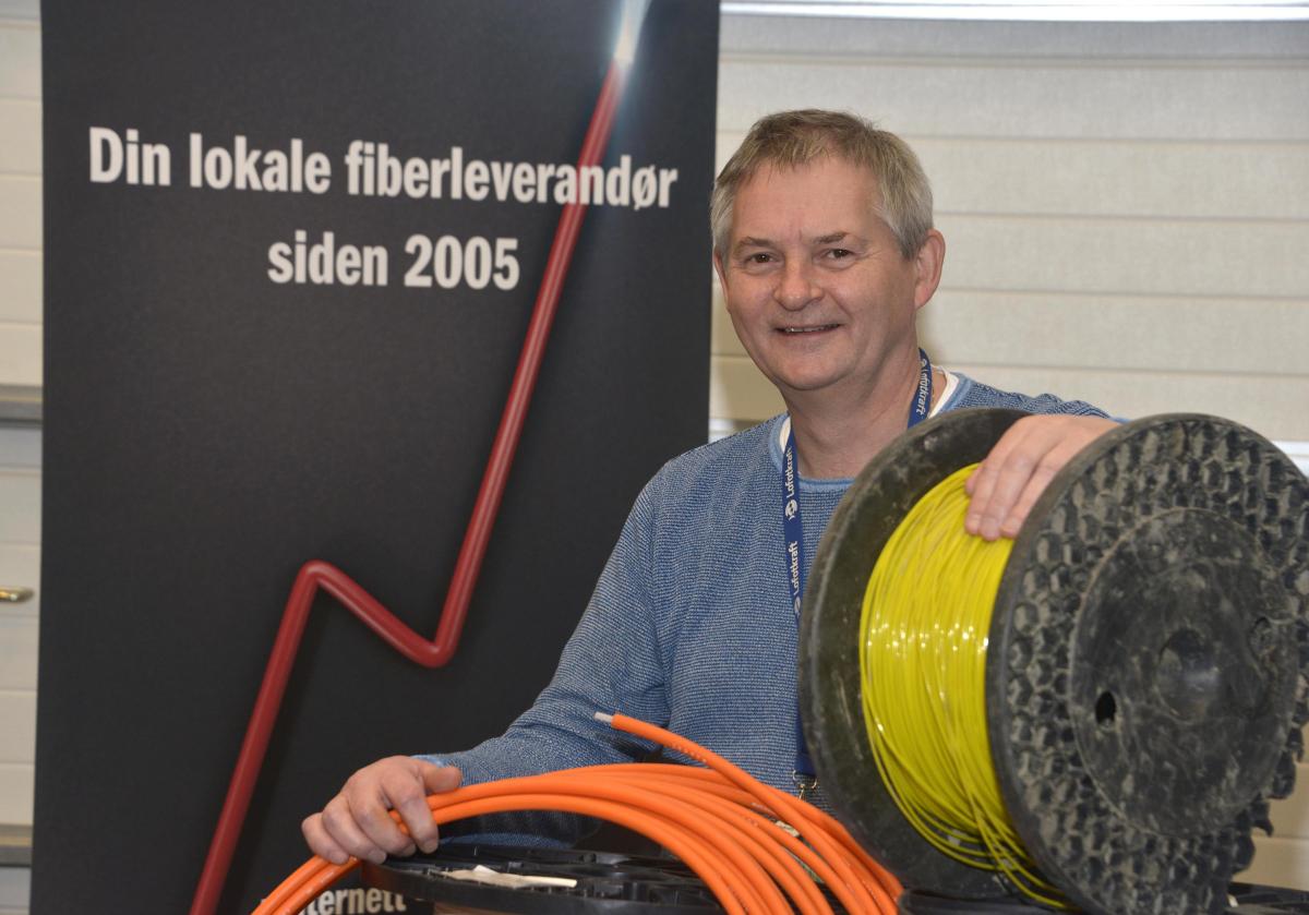 Fiber i sirkel. Økt bredbåndssikkerhet i Lofoten.