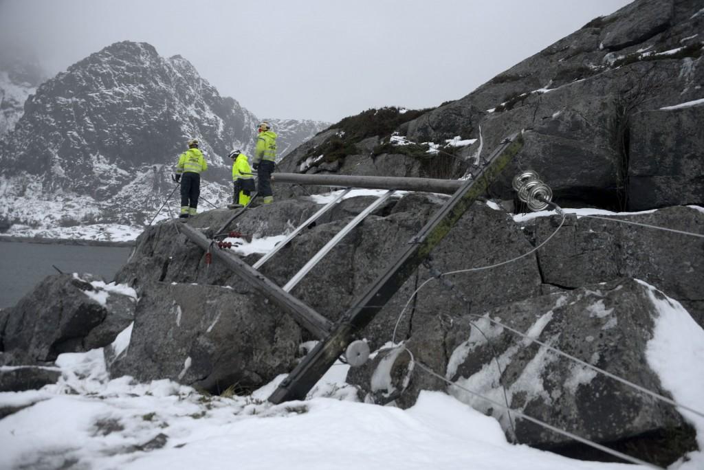 Foto: TORE BERNTSEN VISUALDAYSLofokraft: Henningsvær etter ekstremværet Ole