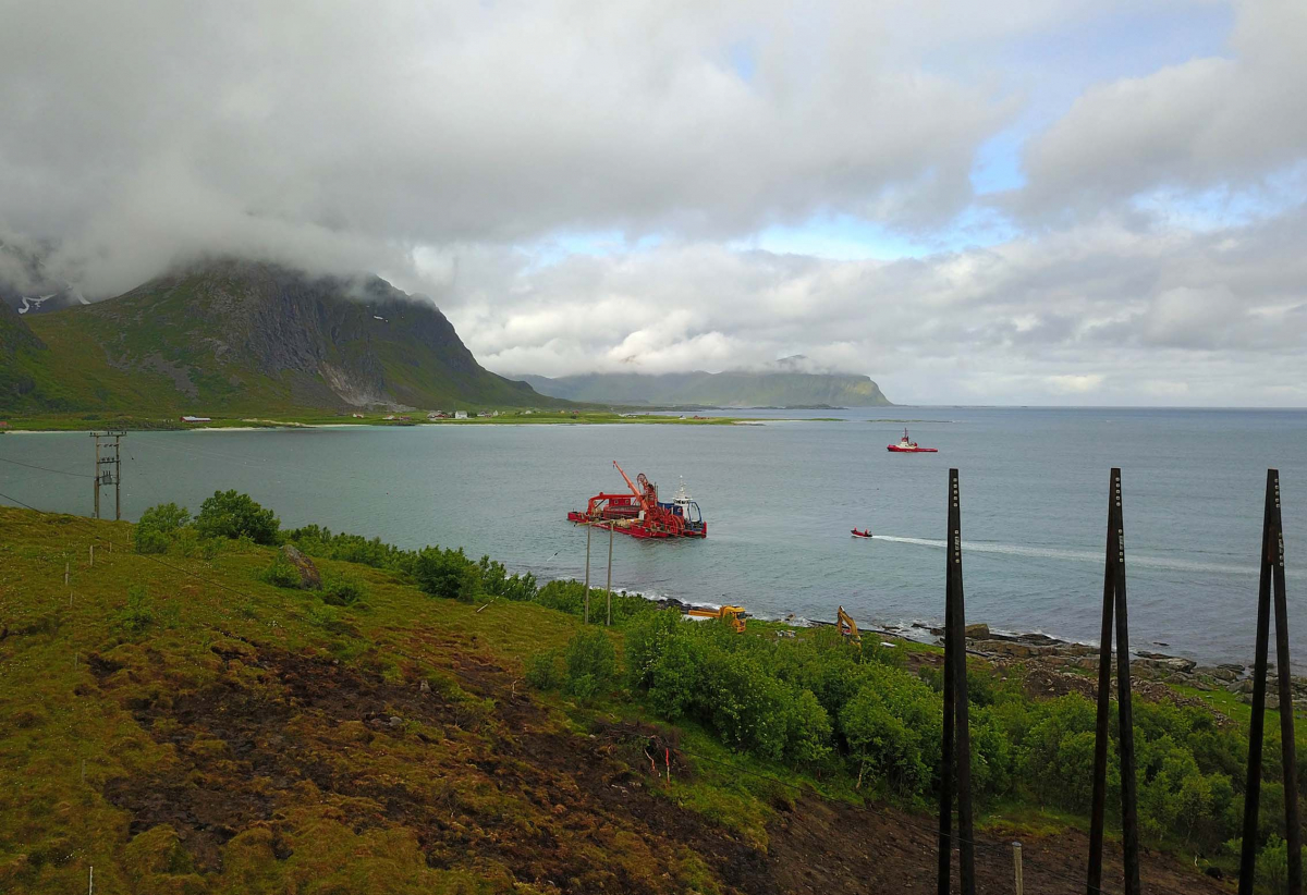 Lofotkraft legger nye sjøkabler.
