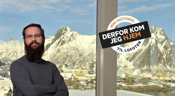 Elkraftingeniør Kristoffer Tobiassen i Lofotkraft går på jobb og merker optimismen i Lofoten