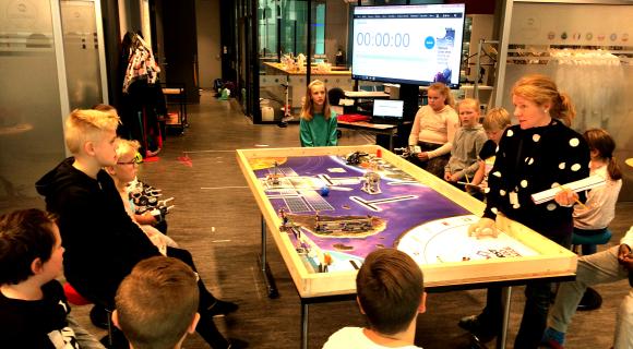 10.november: 200 elever fra Lofoten konkurrerer. Kom til Vågar idrettspark og bli med ut i verdensrommet.